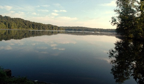 tomahawklake.jpg